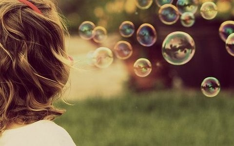 Beautiful-bubbles-little-girl-outside-spring-Favim.com-288765
